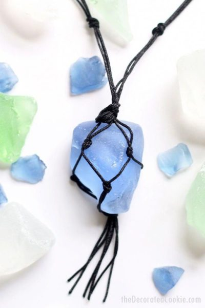 Photo of Make your own sea glass jewelry! This video tutorial teaches you how to make a m…